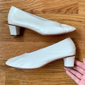 Martiniano glove kitten heels